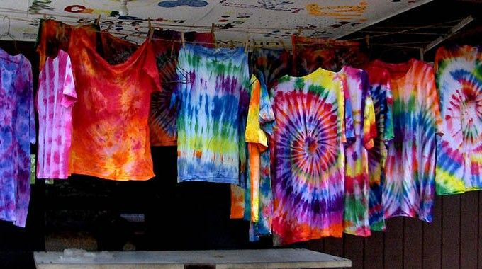 Different types of dyeing techniques k 2017 for Types of tie dye shirts