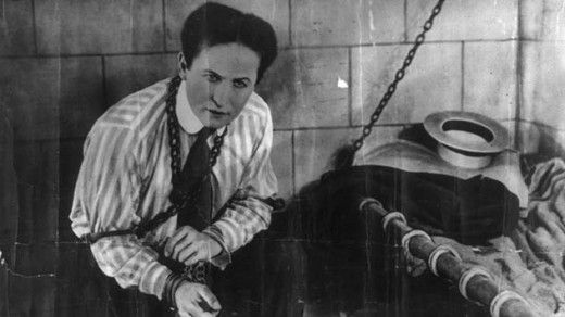 How Did Harry Houdini Die – And Why