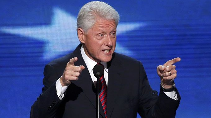 Evening news bill clinton I wouldn't be using both fingers to point if i weren't being rally sincere about tis