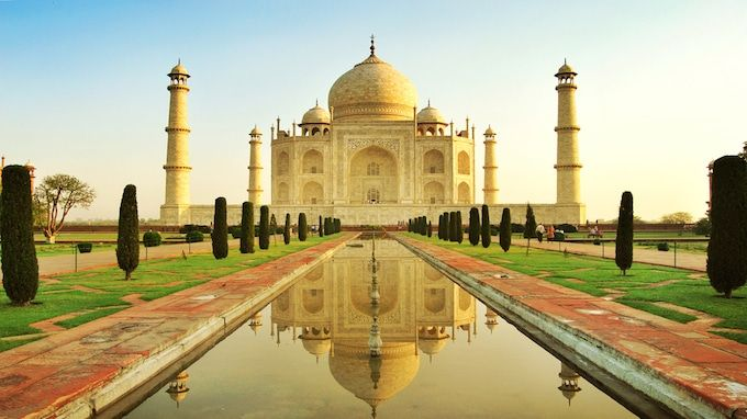 short information about taj mahal